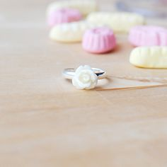 New to Onetenzeroseven on Etsy: Cream Rose Flower Ring | Adjustable | Nickel Free (5.50 GBP)