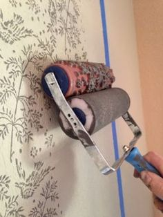 The ragged wren : How To- Patterned Paint Roller - Wall Painting Tips