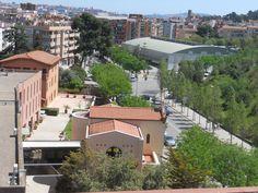 Llar Sant Josep - Riera Baste - Sant Boi de Llobregat Mansions, House Styles, Outdoor Decor, Home Decor, Bass, Decoration Home, Manor Houses, Room Decor, Villas