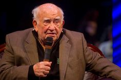 Actor Ed Asner taken by ambulance from 'FDR' one-man show at Gary theater Franklin Delano, Acting Class, West Side, Ambulance, City Life, Master Class, North West, Pavilion