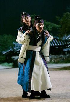 Cute Charisma (ㅍ_ㅍ) — Minho ( Sooho) x Ji han ( Banryu) ^^ Korean Drama Tv, Korean Drama Series, Korean Actors, Asian Actors, Do Jihan, Park Hyungsik Wallpaper, Ban Ryu, Shinee Minho, Choi Min Ho