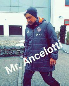Fc Bayern München Carlo Ancelotti, Lewandowski, Adidas Jacket, Athletic, Jackets, Fashion, Fc Bayern Munich, Down Jackets, Moda