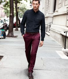 Burgundy Chinos is a great look for this fall! Burgundy Chinos, Red Chinos, Chinos Men Outfit, Pants Outfit, Maroon Pants, Suit Combinations, Fall Pants, Mens Fashion Suits, Men's Fashion