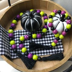 Purple Green Halloween Wood Bead Garland on Mercari Fall Crafts, Decor Crafts, Holiday Crafts, Diy And Crafts, Fall Halloween, Halloween Crafts, Halloween Decorations, Halloween Beads, Halloween 2020
