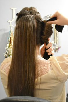No heat overnight curls using three tube tocks. Takes 15 minutes all together to get these hollywood glam curls. Clementinebean.wordpress.co...