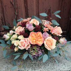 VIP flowers delivery #roses #peach #lila #silver #eucalyptus #leaves #flowerdipity #corporate #flowers #delivery