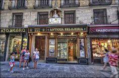Antigua relojería Calle de la Sal desde 1880    La Antigua relojería fundada  en 1880, se recompra por D. Genaro García Morales y se reforma en el año 39 para la venta de relojes, con el taller y la tienda en el mismo lugar.