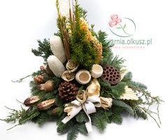 susz egzotyczny sklep internetowy - Szukaj w Google Xmas Ornaments, Christmas Wreaths, Christmas Decorations, Holiday Decor, Christmas Floral Arrangements, Silk Floral Arrangements, Cemetery Decorations, Funeral Arrangements, Sympathy Flowers