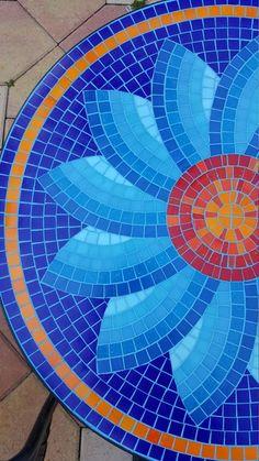Mosaic Table by Zamaramosaic on Etsy Mosaic Tile Table, Mosaic Birdbath, Mosaic Tray, Mosaic Glass, Mosaic Table Tops, Patio Tiles, Glass Tiles, Mosaic Crafts, Mosaic Projects