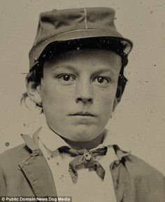 faces out of time 012 Library of Congress image: Unidentified young soldier in Confederate infantry uniform, possibly drummer boy, donated to the Library of Congress 2012 by Tom Liljenquist; Liljenquist Family Collection of Civil War Photographs. American Civil War, American History, Carolina Do Sul, North Carolina, Abraham Lincoln, Mississippi, Confederate States Of America, War Photography, Vintage Photography