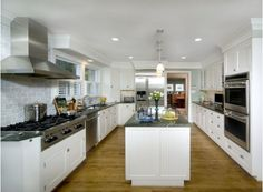 Large traditional kitchen with stainless steel appliances-Home and Garden design ideas