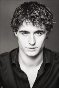 Max Irons, plays King Edward IV in Starz' The White Queen. He's rather adorable.
