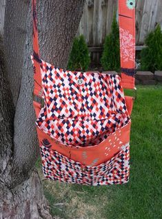 Lorelei Jayne PDF Bag Sewing Patterns and Free sewing tutorials, learn to sew with these easy, quick, scrap friendly PDF sewing patterns.
