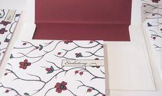 Hübsche Einladung für ein blumiges Hochzeitsfest aus der Hochzeitspapeterie Serie Belle Epoque. Shop: www.carte-royale.com
