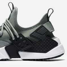 Nike / Air Huarache Drift Breathe / Clay Green/Black/White/Deep Jungle / Shoes / 2018