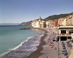 Explore the #beaches of Italy on the #ItalianRiviera and take a dip in the beautiful turquoise waters!