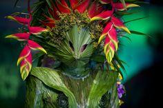Modeschau BioFashion in Kolumbien: Blätterkleid von Pablo Garzon - SPIEGEL ONLINE