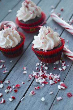 Hot cocoa peppermint cupcakes