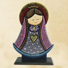 virgencita en puntillismo Mandala Painting, Dot Painting, Arte Country, Mandala Dots, Country Paintings, Dyi Crafts, Posca, Cold Porcelain, Religious Art