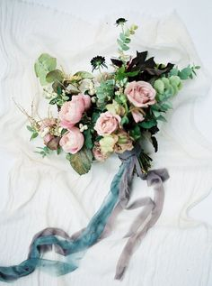 moody blooms #weddingbouquet
