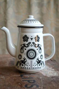 Simply  Buteiful Folklore Coffee (or tea) Pot ideal for power cuts on your woodburner :)