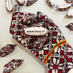 We are preparing for Formex fair and exhibition in Sweden. So excited to participate and meet our Swedish friends ❤❤❤👍 For this ocasion we have turned our mittens into typical Latvian toffee candies 😉🍭🍭🍭 You can purchase these lovely mittens online: www.tines.lv 🎉 🎈 ✌  #vantar  #votter #pattern #mittenpattern #sticka #strikk #strik #strickning #mittens #formex2016 #sweden #gloves #knittedgloves #woolgloves #gotina #candies #knitting #woolyarn #knits #knitted #knitmittens