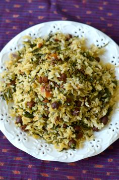 Methi Chana Pulao- Fragrant and nutritious, this rice dish with black chickpeas, fenugreek leaves and mild spices is a winter favorite way to have more iron and protein. Simple and easy.  #fallrecipes, #onepotmeal, #favoriterecipes,