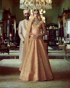 Sabyasachi just launched his 2020 new bridal collection. Sabyasachi Sultana Wedding Lehengas come in gorgeous new shades and you've got to see the dupatta! Indian Wedding Outfits, Bridal Outfits, Wedding Attire, Indian Outfits, Bridal Dresses, Shadi Dresses, Indian Dresses, Bridal Lehenga Collection, Sabyasachi Collection