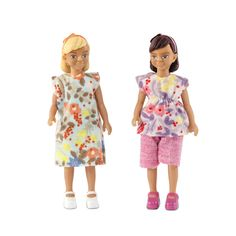 NEW! Two girls for the Lundby doll's house. Are they friends, or perhaps sisters? In Lundby's world you decide! All Lundby family dolls are jointed and their arms, legs and head move. The clothes have openings at the back, making it easy to take them off and put them on.