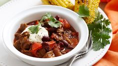 Beef chilli with blackened corn! Wine Recipes, Beef, Food, Meat, Hoods, Meals, Ox, Ground Beef, Steak
