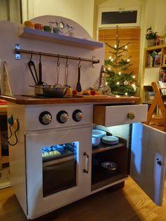 Kinderküche aus alter Kommode / Play kitchen made of old bureau / Upcycling