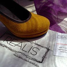 REALIS uma marca portuguesa, com certeza! A portuguese brand, for sure! #realis_shoes #realis #shoes #madeinportugal #portuguesebrand #serradaestrela #fashion #style #burel #quality #modafeminina #shoeslovers #trends #color #confort Click on the link - www.realis.com.pt - in our bio Portuguese, Feminism, Trends, Instagram, Link, How To Make, Color, Shoes, Style
