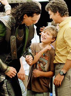 Tom Hiddleston with Mark Ruffalo and son. :)