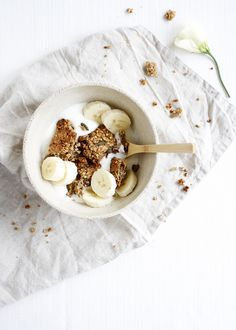 Banana Bread Granola Recipe (Vegan, Gluten-Free)