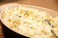 Se her hvordan du laver blomkålsris i ovn som lækkert tilbehør. Beregn et groftrevet blomkål til fire personer, og følg så denne opskrift. Blomkålsris i ovn som lækkert tilbehør erstatter kartofler…