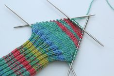Socken stricken mit der Shadow-Wrap-Ferse im CraSy-Style Socks knit with the Crazy-style Shadow Wrap heel – Shadow Wrap heel – In process – The Shadow Wrap heel – a great tip for a tailor-made heel by Sylvie Rasch in CraSy style. Knitted Gloves, Knitting Socks, Baby Knitting, Knit Socks, Baby Boy Booties, Socks And Heels, Wrap Heels, Personalized Christmas Gifts, Wool Yarn