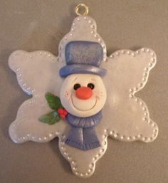 Polymer Clay Star Snowman Ornament Idea The Effective Pictures We Offer You About Clay Ornaments for teachers A quality picture can tell you many things. Teacher Ornaments, Snowman Ornaments, Diy Christmas Ornaments, Felt Christmas, Holiday Crafts, Christmas Decorations, Polymer Clay Ornaments, Polymer Clay Projects, Polymer Clay Creations