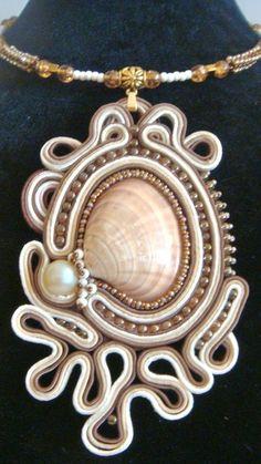 Pandant Soutache and seashell Seashell Jewelry, Bridal Jewelry, Beaded Jewelry, Handmade Jewelry, Silver Jewelry, Silver Rings, Soutache Pendant, Soutache Necklace, Shibori