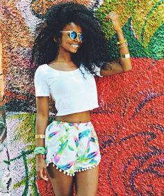 Take me back to summertime shine! #brightcolors #bighair #naturafashion
