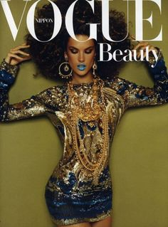 For the December/Beauty 2010 issue Vogue Nippon has created two very similar cover, featuring Beyonce and Alessandra Ambrosio styled almost identically. I guess they want to know wanna which one is more your style? Vogue Magazine Covers, Fashion Magazine Cover, Fashion Cover, Vogue Covers, Alessandra Ambrosio, Vogue Beauty, Dior, Sr1, Wale