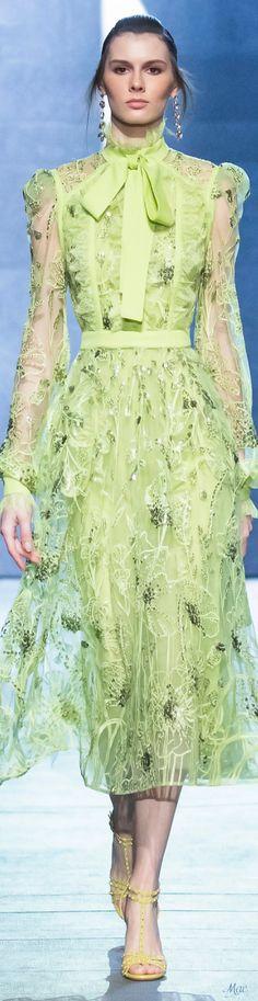 Fall 2021 RTW Elie Saab High Fashion, Fashion Show, Fashion Design, Elie Saab Couture, Ellie Saab, Haute Couture Fashion, Dress Suits, Fashion Sketches, Beautiful Dresses
