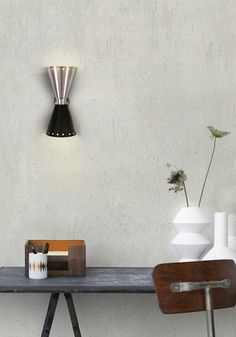 Wall lamps can be a perfect decoration element for your mid-century modern home. We have selected the 50 Wall Lamps that will inspire you in a million lighting Mid-century Interior, Home Interior Design, Interior Design Inspiration, Design Interiors, Modern Interiors, Interior Ideas, Interior Decorating, Decorating Ideas, Modern Sconces