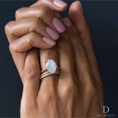 CHELSEA Two-Tone. Platinum prongs & an Rose Gold band set with 3 rows of natural Fancy Vivid Argyle round cut diamonds. Oval Engagement, Classic Engagement Rings, Rose Gold Engagement Ring, Engagement Nails, Engagement Ideas, Wedding Rings Solitaire, Diamond Wedding Bands, Chelsea, Ring Set