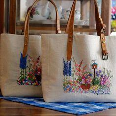 쌍둥이 백 탄생.. 같은듯 다른 느낌! #쌀롱드마마 #대전프랑스자수 #프랑스자수 #자수가방 #린넨자수숄더백 #대전자수수업 #자수클래스 #linenbag #embroidery #handmade #handcraft