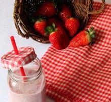 Recette - Smoothie fraises & basilic - Proposée par 750 grammes