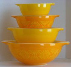 Yellow Daisy Cinderella Bowls: Pyrex Goodness