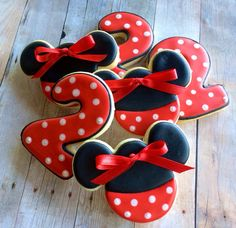 Hey, I found this really awesome Etsy listing at https://www.etsy.com/listing/182583876/minnie-mouse-birthday-sugar-cookies-red