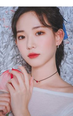 Pin on 메이크업 Pin on 메이크업 Beautiful Chinese Girl, Beautiful Love, Aesthetic People, Aesthetic Girl, Real Beauty, Asian Beauty, Korean Girl Photo, Synthetic Ruby, Ulzzang Korean Girl