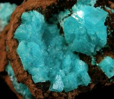 Tumblr - Auricalcite included Calcite in a Limonite Vug - Ojuela Mine, Durango, Mexico