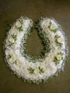 Beautiful horseshoe tribute